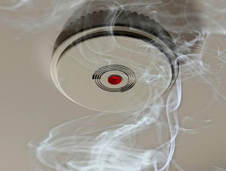 Дымовой пожарный датчик